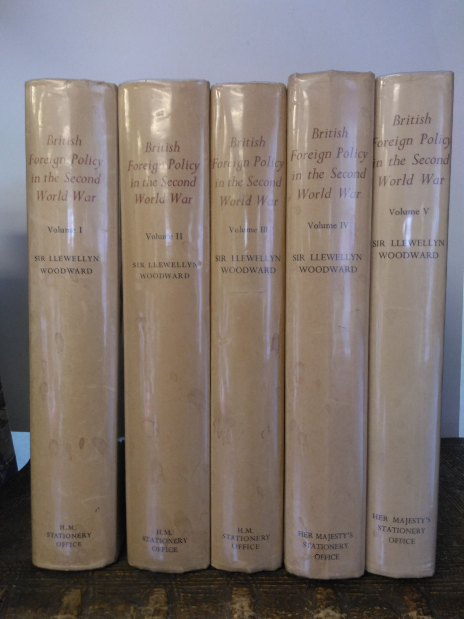 BRITISH FOREIGN POLICY IN THE SECOND WORLD WAR [HISTORY OF THE SECOND WORLD WAR] [5 VOLUMES]. Llewellyn Woodward.