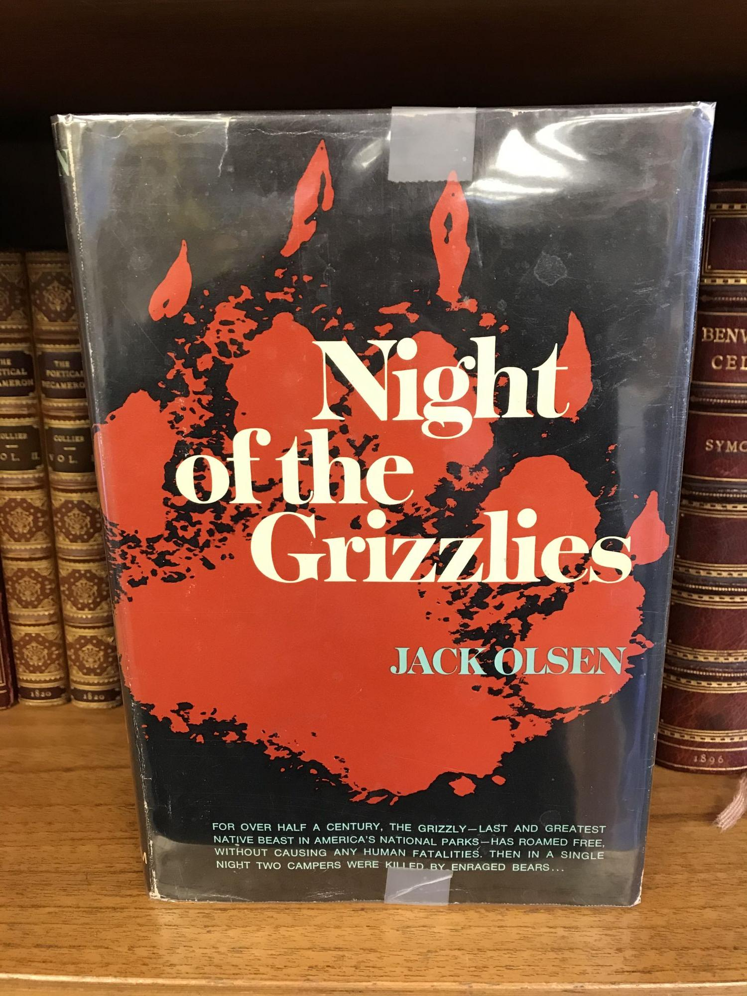 NIGHT OF THE GRIZZLIES. Jack Olsen.