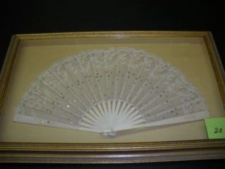 FRAMED EARLY 20TH-CENTURY LACE FAN