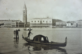 HISTORICAL IMAGES OF VENICE. Carlos Naya