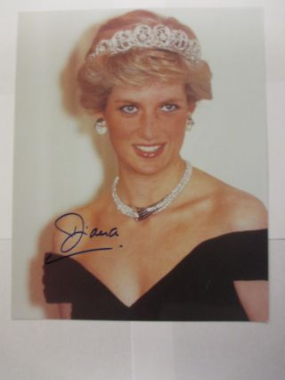 SIGNED PHOTOGRAPH OF PRINCESS DIANA. Princess of Wales Diana