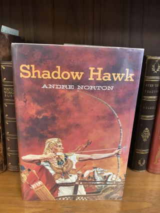 SHADOW HAWK. Andre Norton