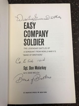 """EASY COMPANY SOLDIER: THE LEGENDARY BATTLES OF A SERGEANT FROM WORLD WAR II'S """"BAND OF BROTHERS"""" [SIGNED]"""
